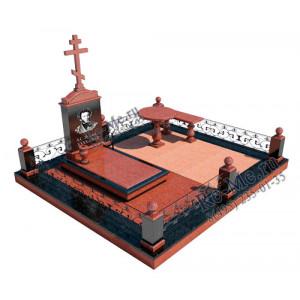 Гранитный комплекс из красного камня с крестом и оградой g842