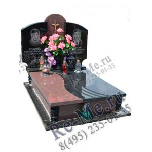 Комплекс памятников из красного и черного гранита для двоих g905