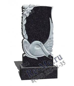 Гранитный памятник с лебедем и розами g178