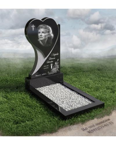 Гранитный памятник с сердцем g211