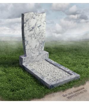 Гранитный памятник с березой g332