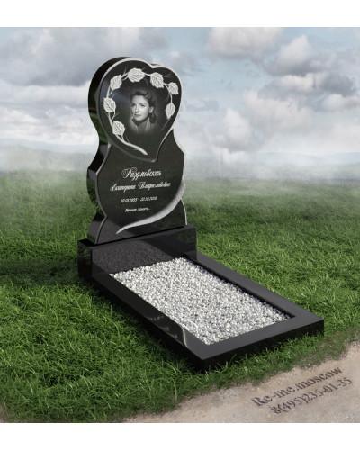 Памятник из гранита в форме сердца  g509