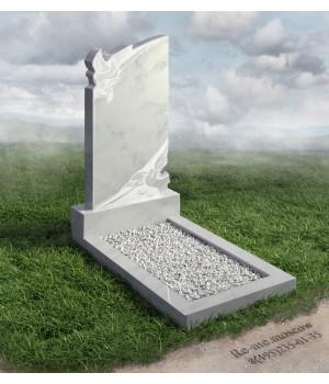 Гранитный памятник c голубями g578